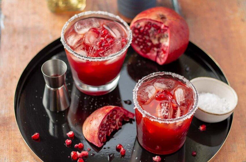 Super Easy Pomegranate Margarita Recipe In Just 5 Minutes